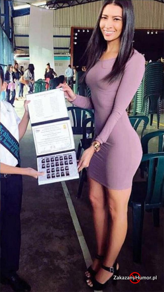 Kiedy ojciec weźmie się za robienie zdjęć swojemu synowi na rozdaniu świadectw w szkole...